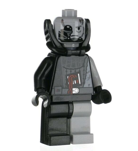 RARE LEGO STAR WARS BATTLE DAMAGED DARTH VADER FROM SET 7672