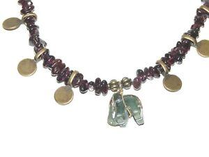Collier pierre véritable de grenat et pendentif éléphant en jade UNIQUE