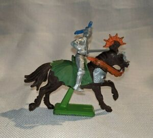 Britain-039-s-1971-Ltd-England-Deetail-Medieval-Knight-Soldier-With-Horse-Figure