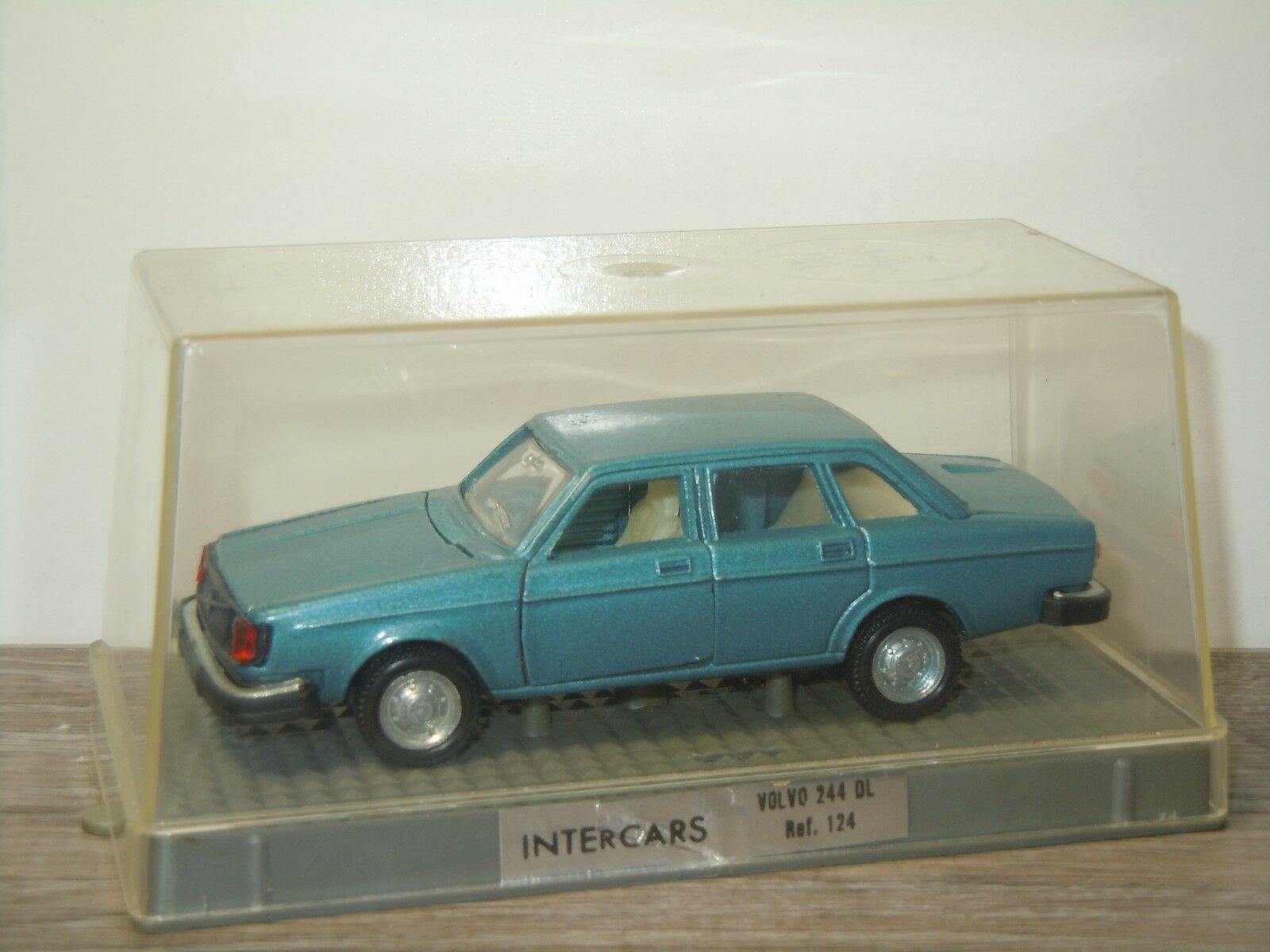 Volvo 244 DL Saloon - InterCoches Nacoral 124 Spain 1 43 in Box 32965