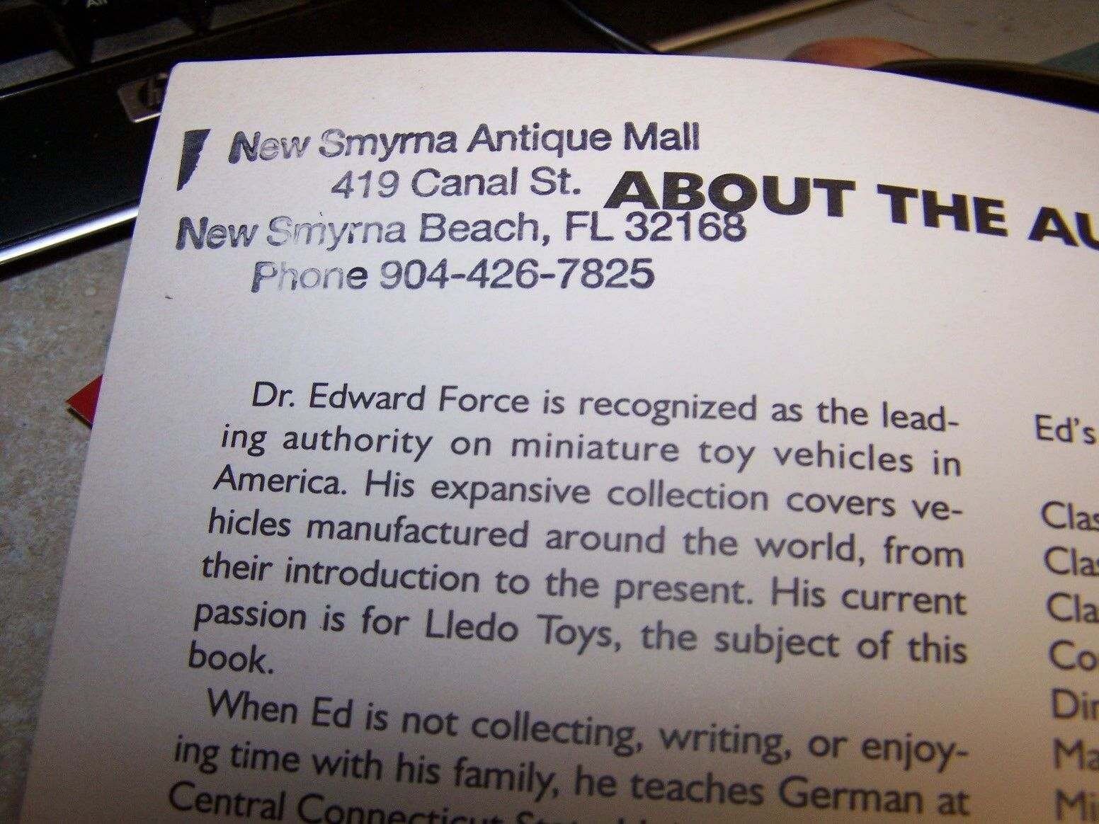 Lledo Toys A Collector/'s Guide with Values by Edward Force 9780764300134