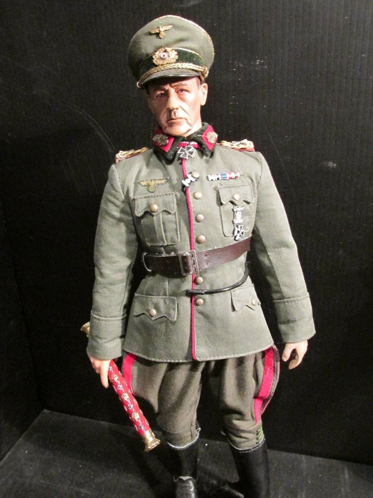 DRAGON DiD.CO 1 6TH scale figure WW 11  GERMAN FIELD MARSHALL (A)