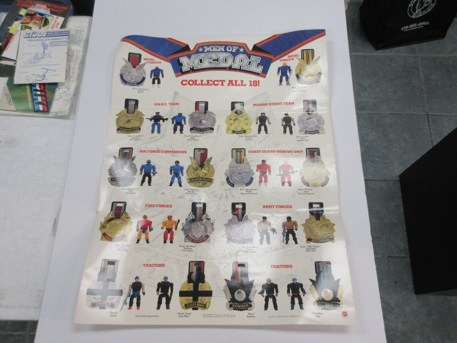 1988 MATTEL MEN OF MEDAL POSTER WITH 18 FIGURES PICTURED