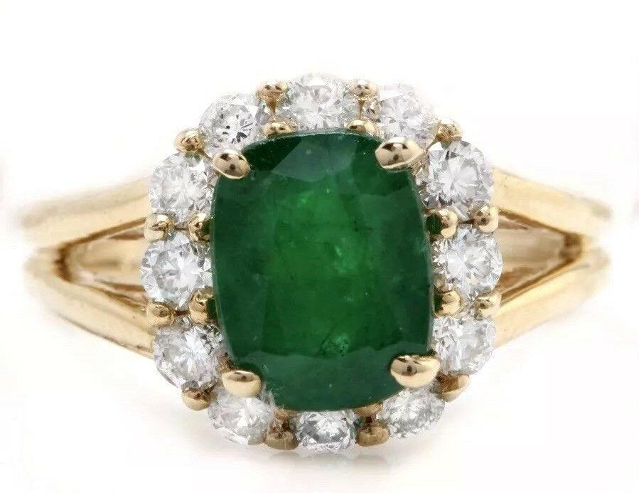 2.89 Carat Natural Emerald and Diamonds in 14K Solid Yellow gold Women's Ring
