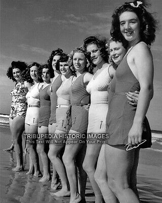 Two GORGEOUS BATHING BEAUTIES at the Lake 1930s Vintage 8x10 Photo SWIMSUITS