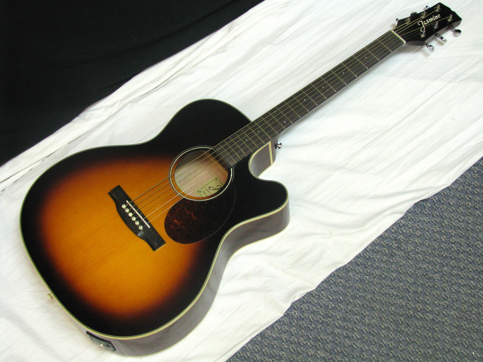 Jasmine JO-37CE Acoustic Electric Guitar NEU - Orchester Cutaway SOLID TOP