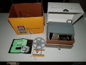 Vintage-Kodak-Brownie-8-Projector-Moel-A-15-w-carrying-case