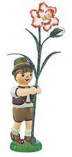 Hubrig Blumenkind Junge mit Nelke, 308h0002