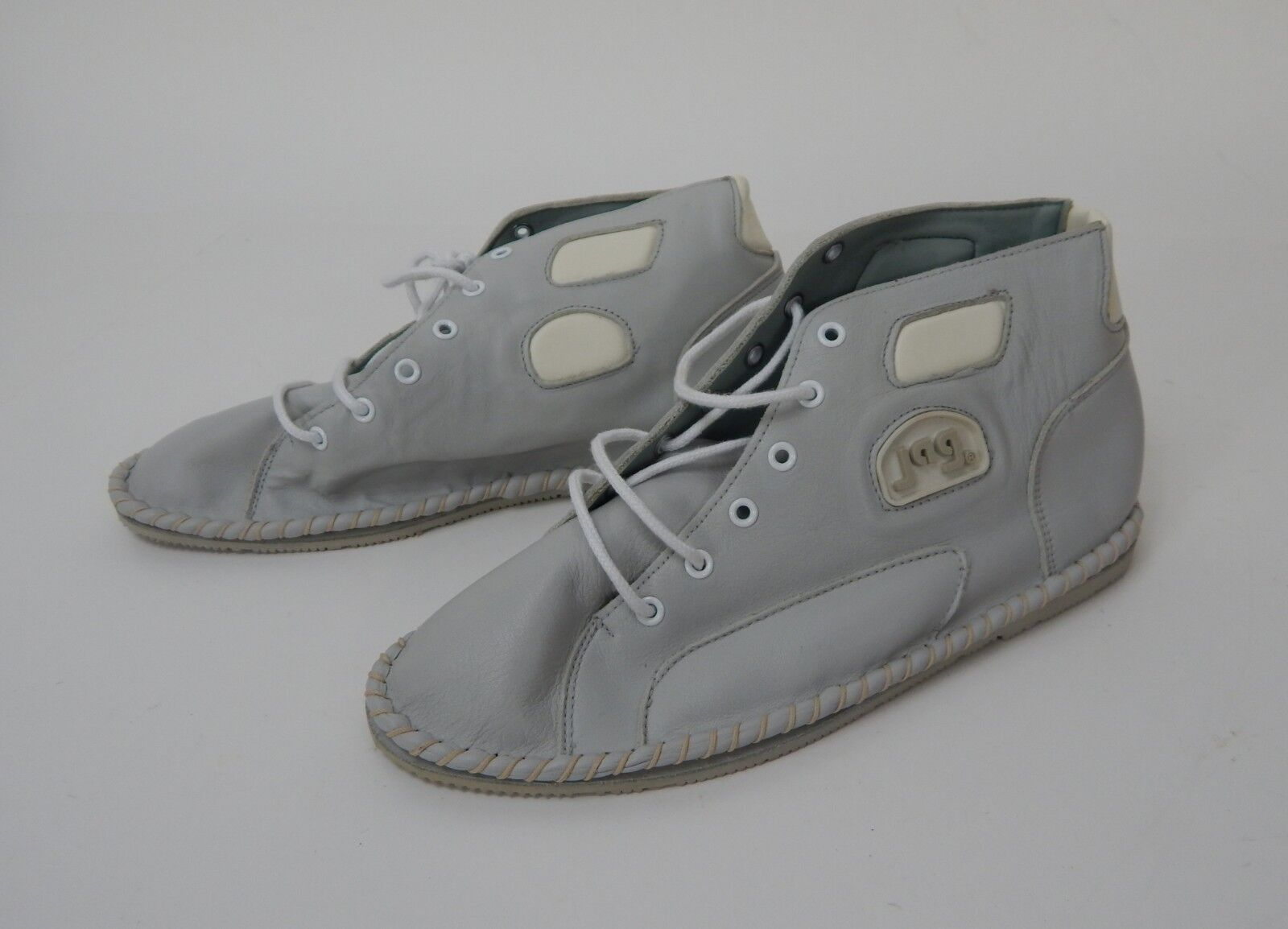 New Women's Jag Fashion shoes Leather Grey Sz. 8.5M