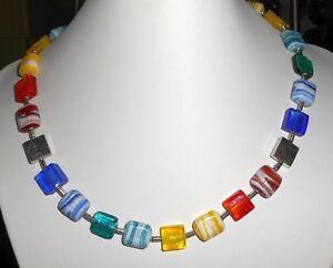 INDISCHES-GLAS-COLLIER-in-BUNT-Lampwork-Quadrate-MAGNET-Verschluss-ML-50cm
