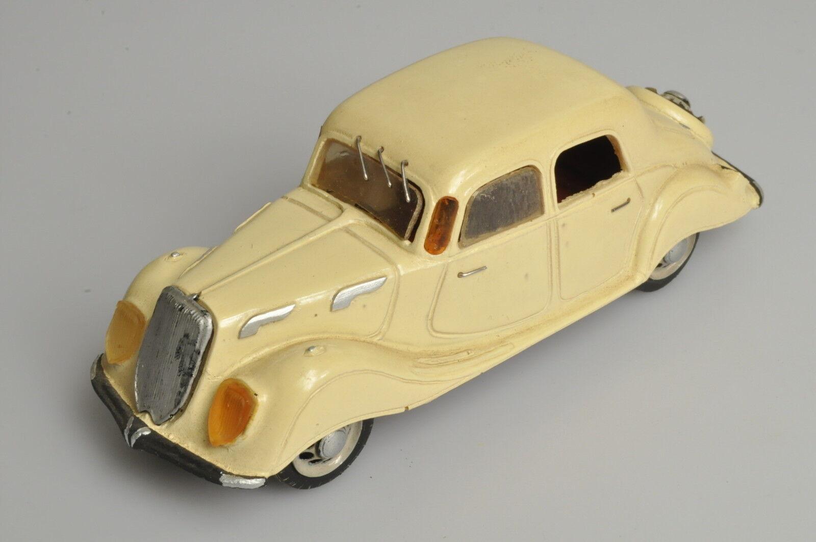 J623 Belle Epoque 1 43 1936 Panhard Dynamic en résine A- -