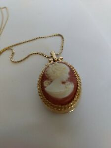 D-039-orlan-Gold-Tone-Cameo-Locket-Pendant-and-Gold-Tone-Chain-23-034-Signed