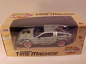 BACK-TO-THE-FUTURE-Part-3-DeLorean-1981-Time-Machine-Die-cast-1-24-Welly-7-inch