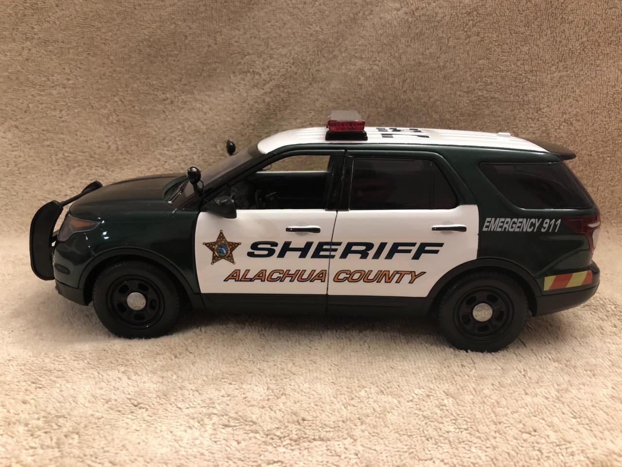 1 18  Scale Alachua CNTY shérif FD SUV unit model with Working lumières et sirène  shopping en ligne