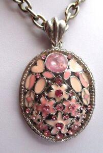 Imposant-pendentif-chaine-bijou-vintage-couleur-argent-fleur-email-rose-2279