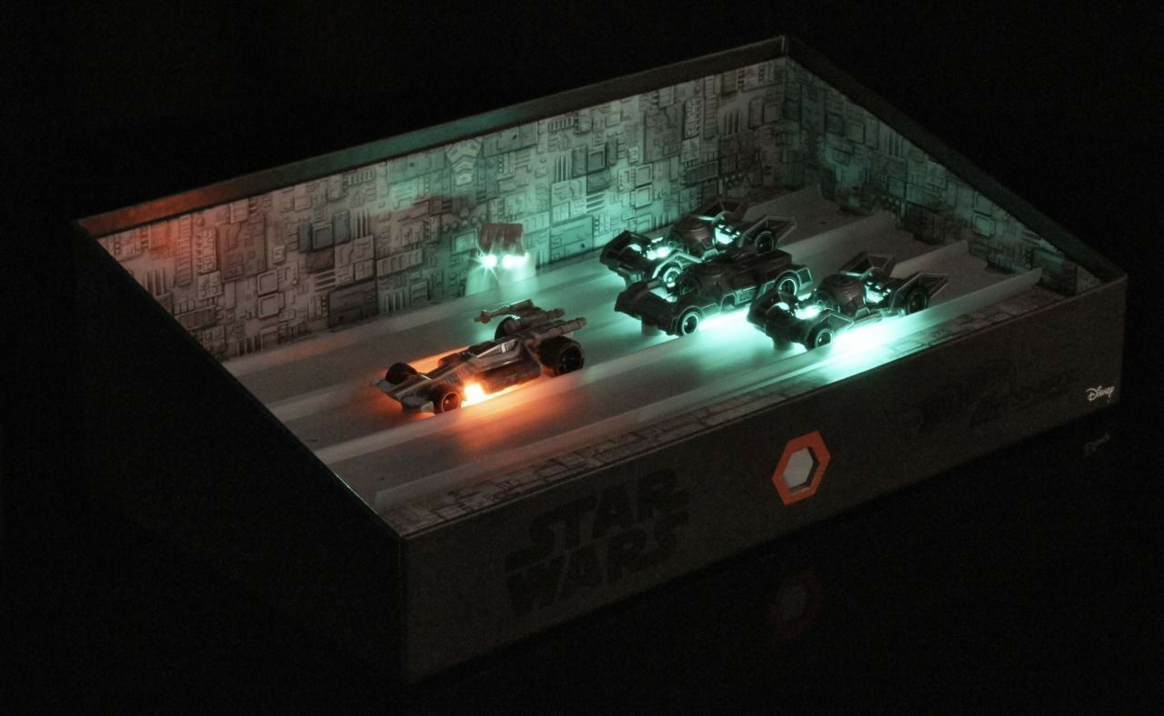 Star Wars SDCC 2016 Mattel Trench Run Hot Wheels Carships Exclusive