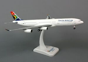 HOGAN-WINGS-HG0656G-SOUTH-AFRICAN-A340-300-1-200-SCALE-PLASTIC-SNAPFIT-MODEL