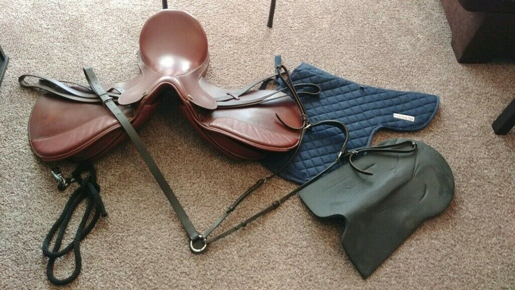 Kincade Leather All Purpose 16.5 Saddle with Padded Flaps, includes Accessories