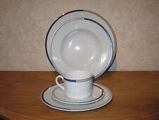 RETSCH *NEW* VICE VERSA Set 3 assiettes + 1 tasse avec soucoupe