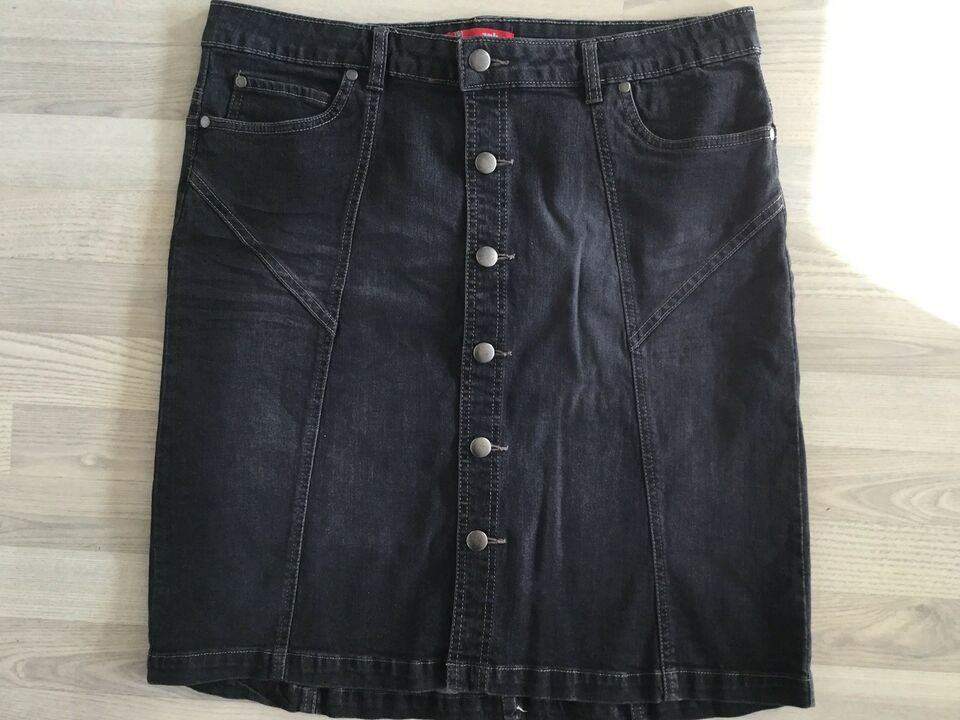 str. 42, Znk, Washed Black