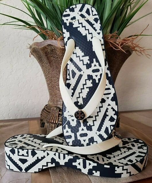 53137eeaf29ad TORY BURCH PRINTED CARVED WEDGE FLIP-FLOP PERFECT IVORY TAPESTRY GEO SIZE 9