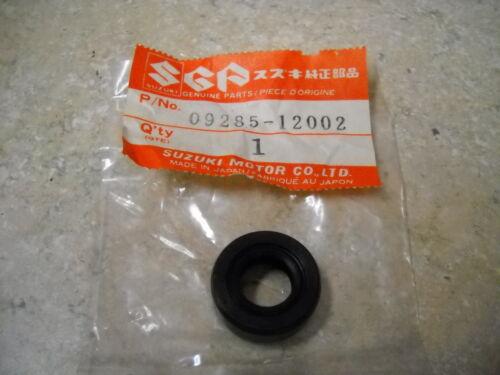 NOS OEM Suzuki Oil Seal 1967-2000 T125 TM400 GT750 Lemans 09285-12002