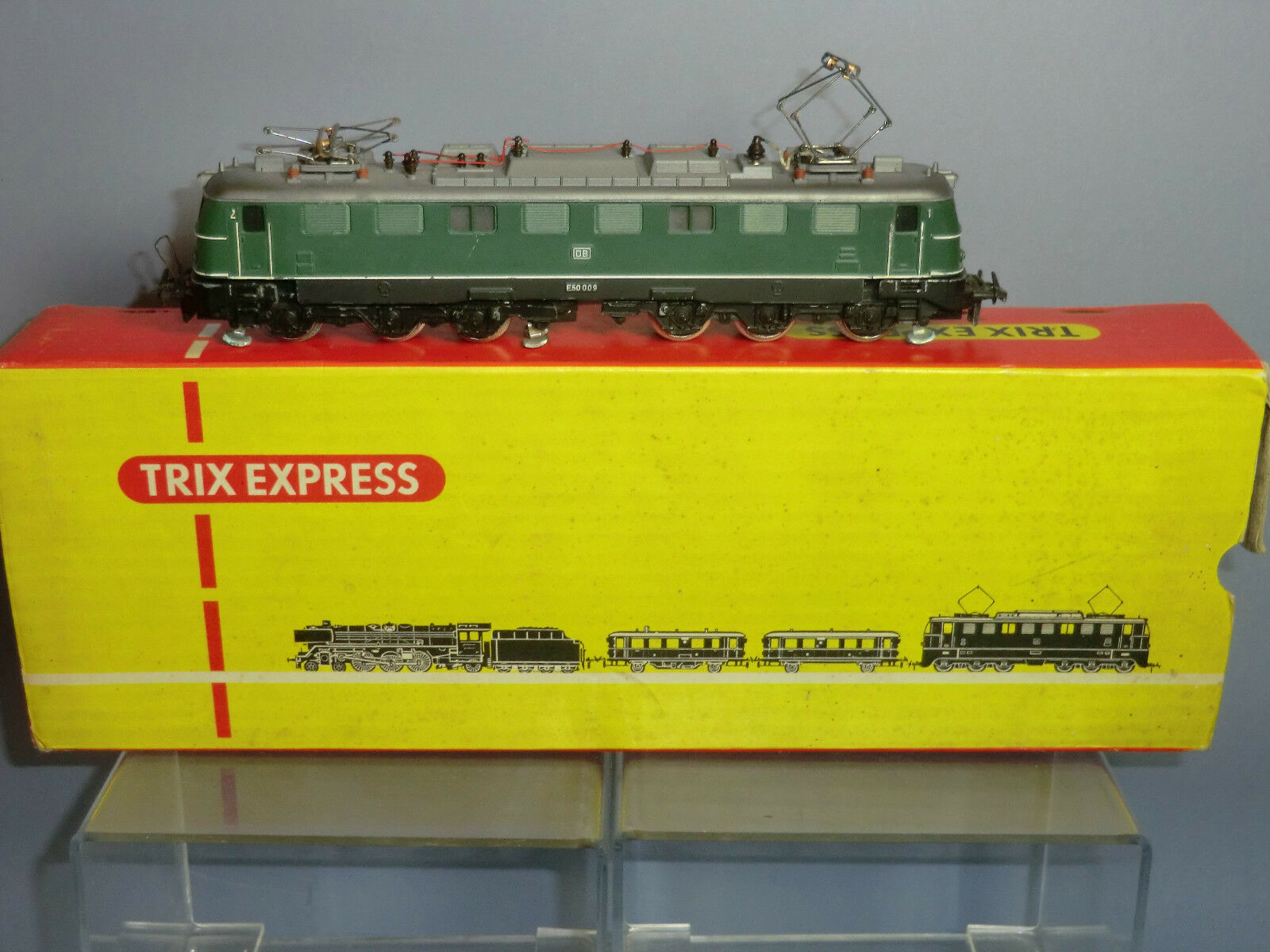 Modelo Trix Xpress.- Sí.DB clase e50 Co. Número Número Número e59 009 Locomotora eléctrica Vn MIB. b8d