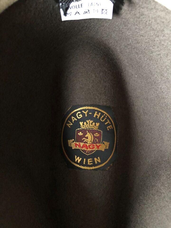 Hat, NAGY HÜTE Wien , str. 57