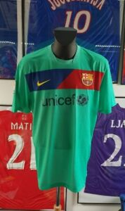 maillot-jersey-shirt-camiseta-trikot-barcelona-barcelone-10-11-2010-2011-messi