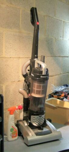 Hoover Breeze Pets Upright Vacuum Cleaner 2200W BR2205