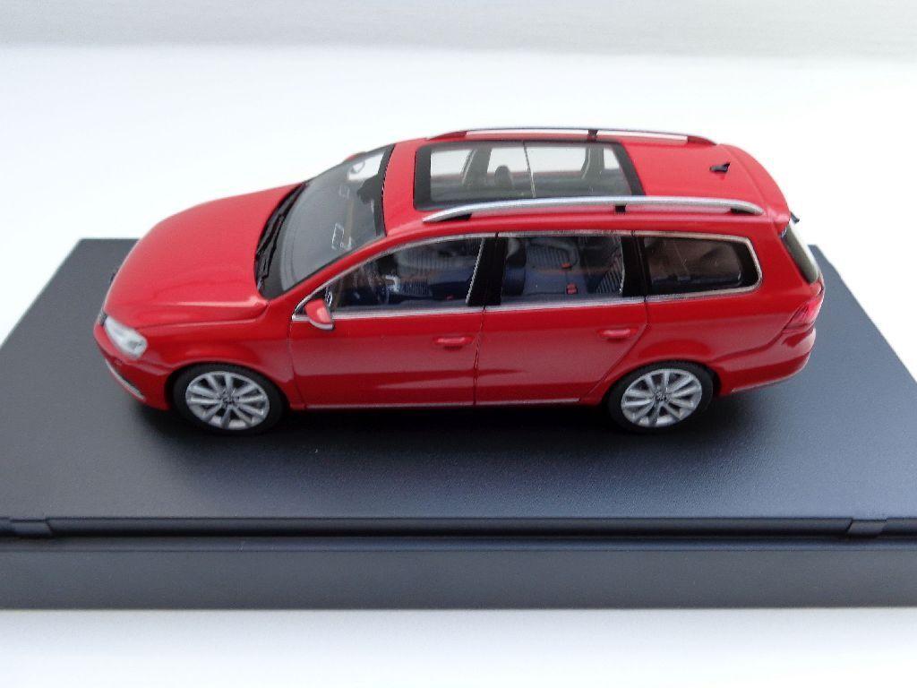 + VW VW VW Passat Variant b7 de 2010 Tornadoruge Schuco Dans 1 43 + VOLKSWAGEN + NEUF 1cca82