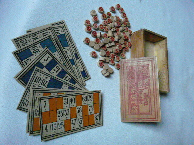 French vintage loto lotto and box with cards and lotto numbers 680a5c