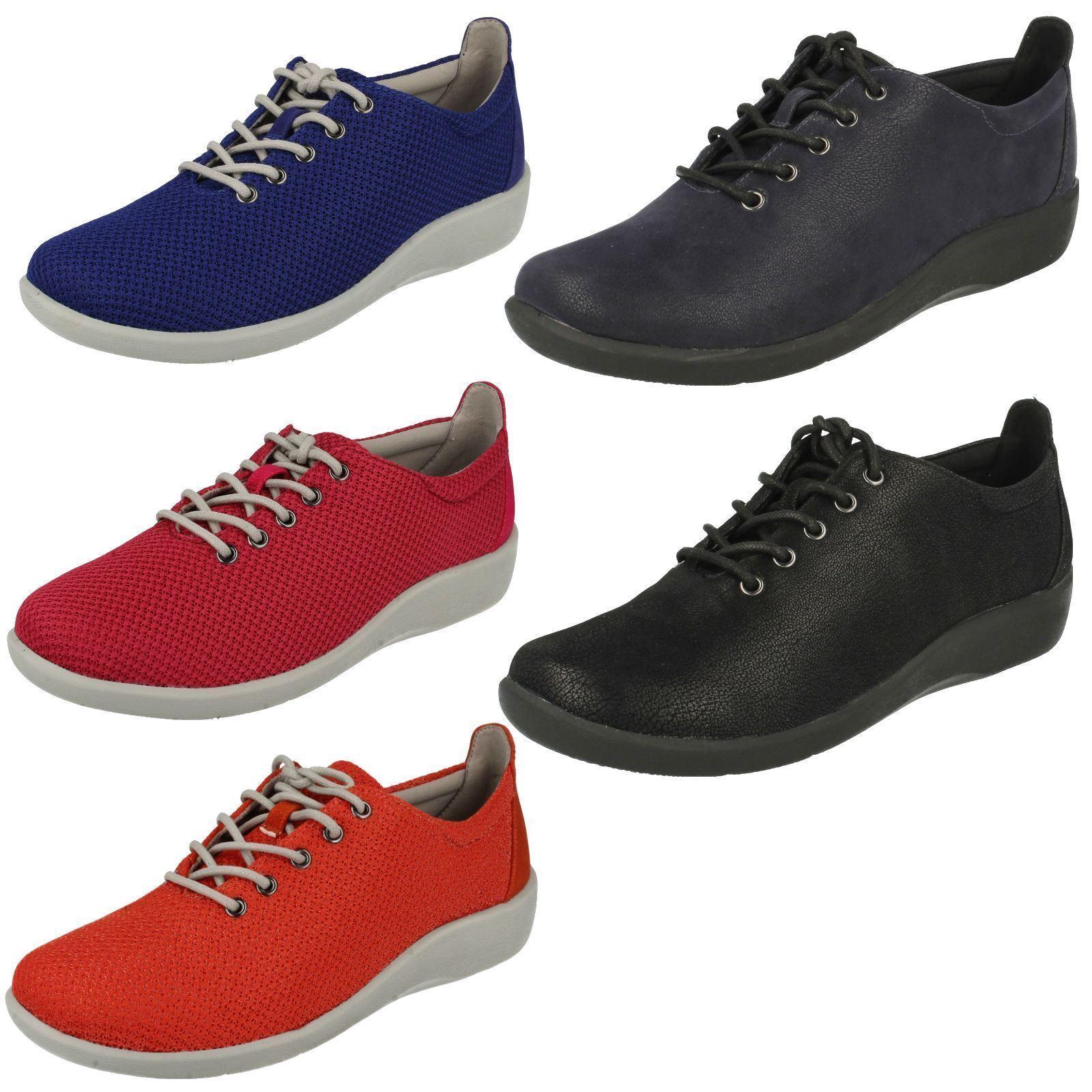 Damen Clarks Cloudsteppers Schnürer Turnschuhe Freizeithosen Schuhe Sillian Tino