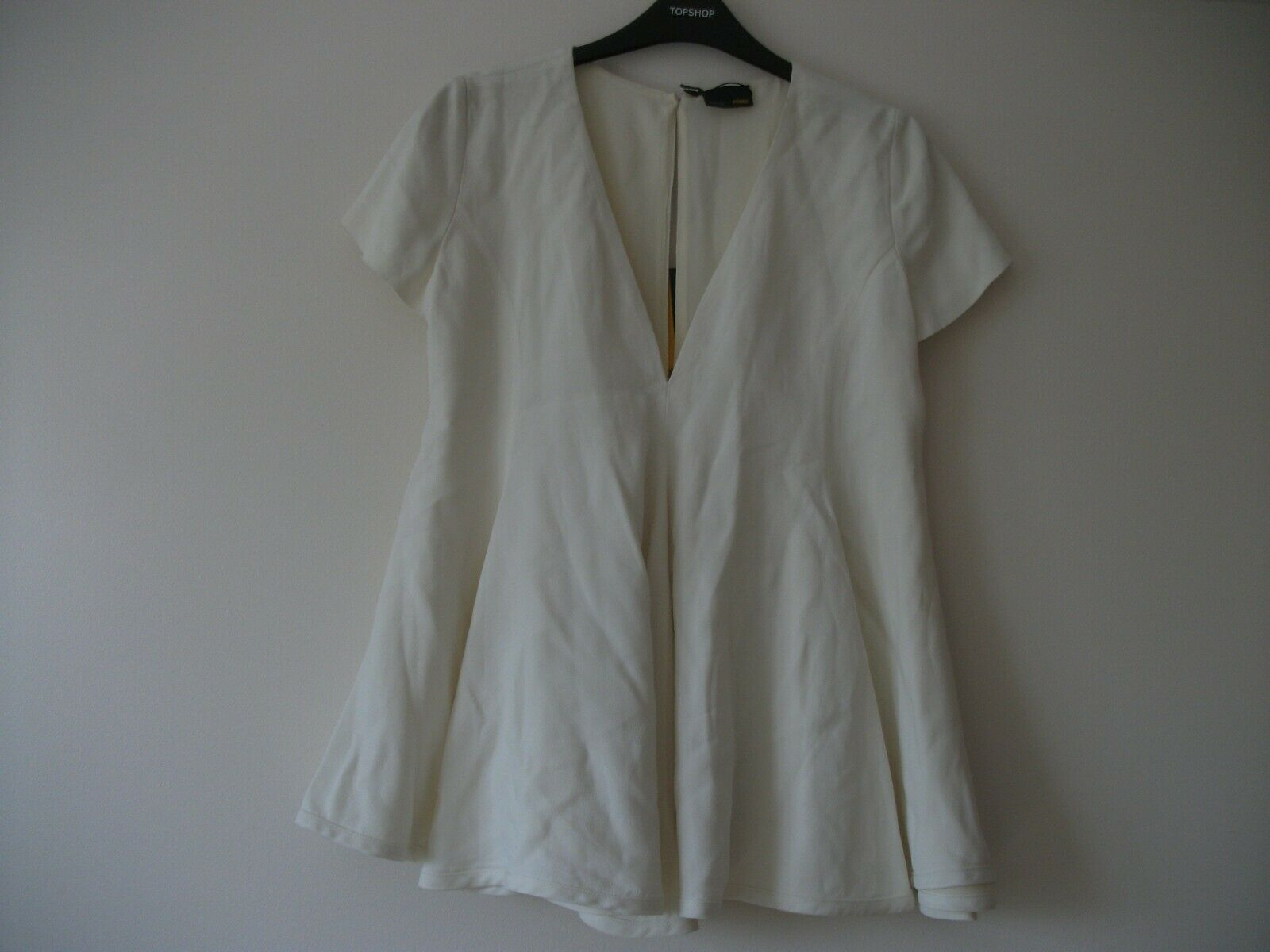 Fendi crepe top size 42, cream, lined, new with tags, not been worn.