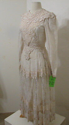 Vintage Cream Crochet Lace Embroidered Long Sleeve Wedding Gown S