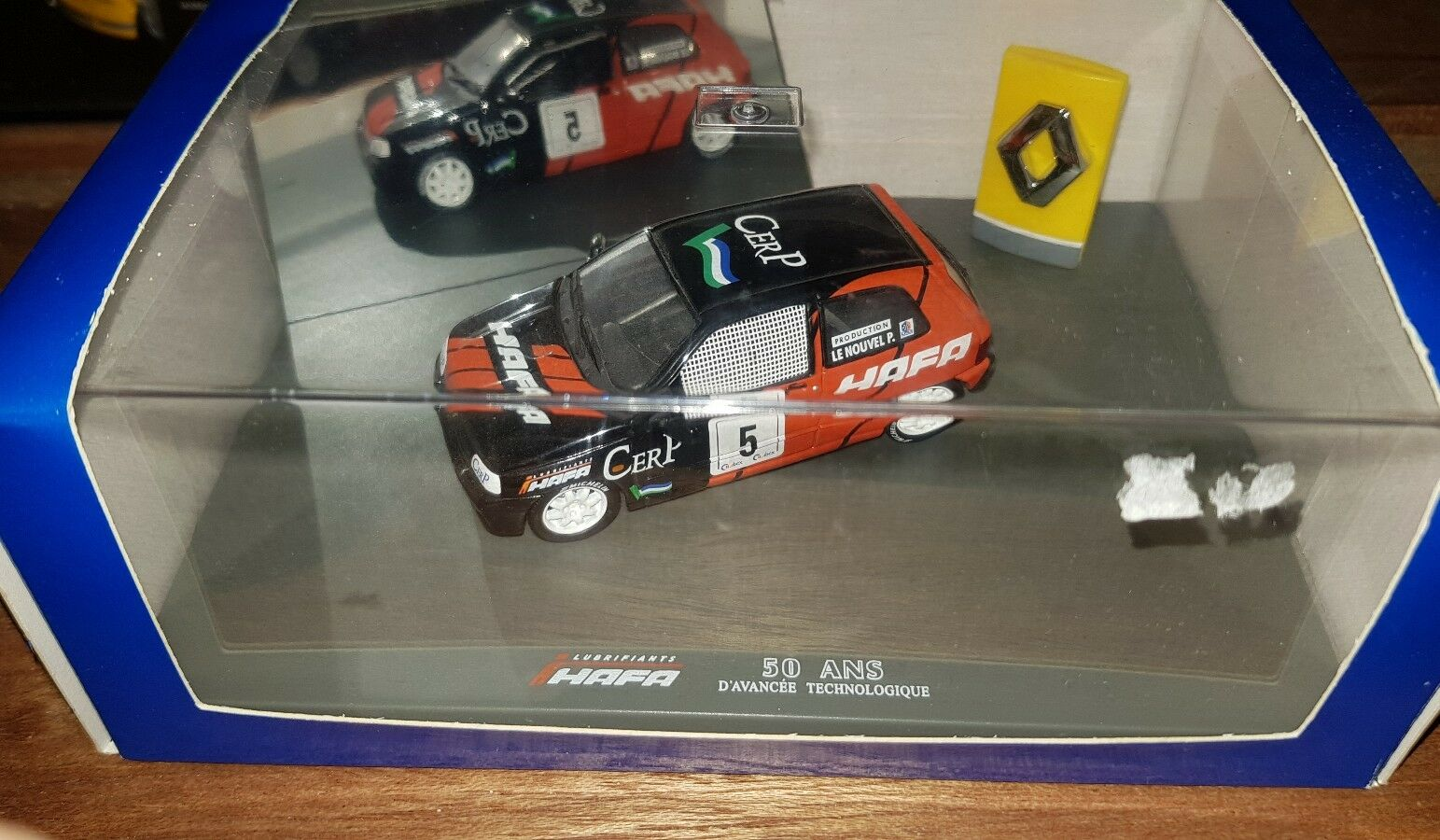 Universal Hobbies 1 43 Renault clio     Hafa   23680e