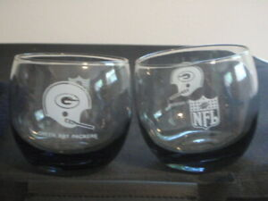 VINTAGE-GREEN-BAY-PACKERS-ROLY-POLY-SMOKY-GLASS-TUMBLERS-LOWBALL-COCKTAIL-LIQUOR