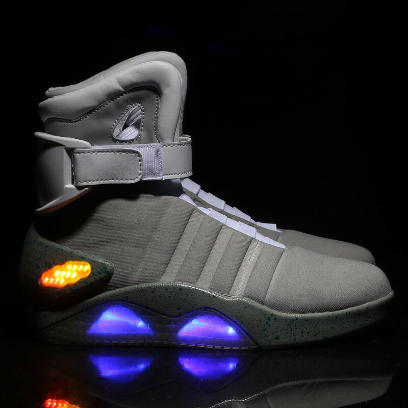 New BACK TO FUTURE THE FUTURE TO WARRIOR BASKETBALL LED LIGHTChaussuresKEY CHAIN Cool Stylish 837d7e