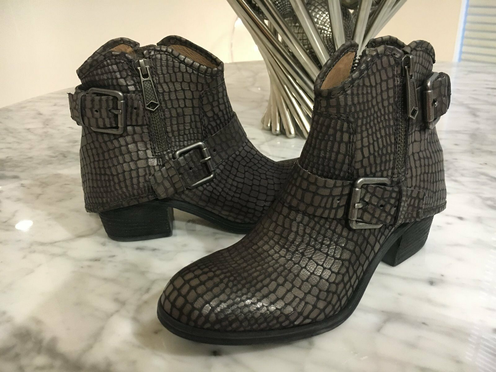 NEW Donald J Pliner Brown Dalis Vintage Python Leather Ankle Boots US 5