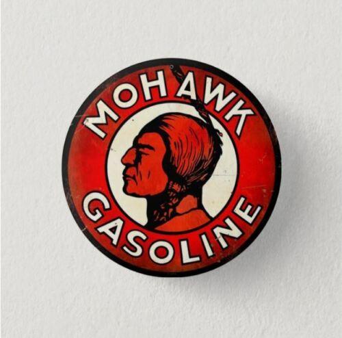 VINTAGE  LOGO Chapa Pin Button Badge MOHAWK GASOLINE RETRO