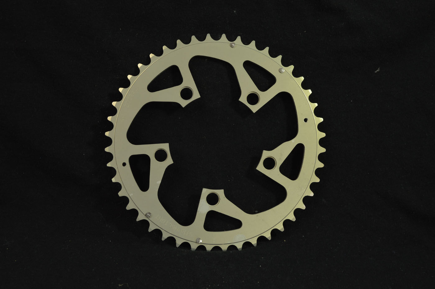 New Chainring Stronglight Zicral alloy 44t bcd- 94