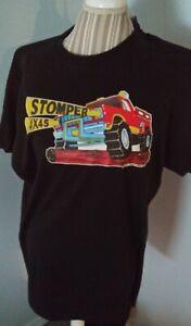 1-Black-XL-Schaper-Stomper-4x4-Truck-T-Shirt-for-Fans-Collectors-amp-Enthusiasts