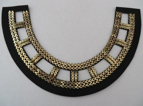 A Gold metallic neck trim applique on black base fast shipping from UK Seller