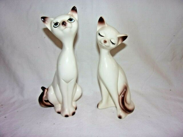 Pair of Vintage Siamese Cats  D
