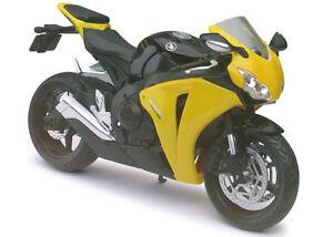 HONDA-CBR-1000RR-NEGRO-AMARILLO-Modelo-de-motocicleta-1-12-von-Automaxx-die-cast