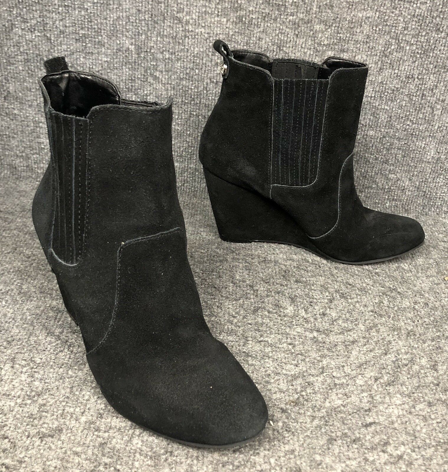 BCBGeneration BCBG Size 10B Black Suede Ankle Wedge Boots Booties In EUC