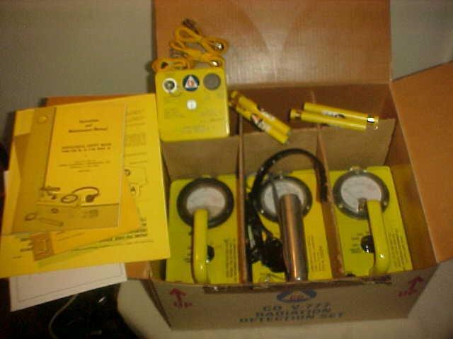 s l1600 - CIVIL DEFENSE CD V-777  Radiation Detection Set Geiger Counters Original Box