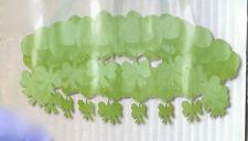 Lustre vert anis en Couronne papier 76 cm communion Décoration mariage bapteme