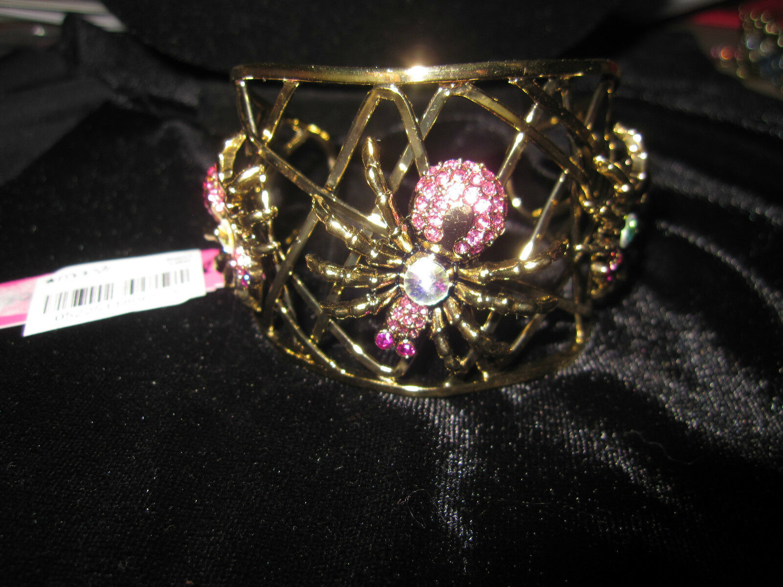 BETSEY JOHNSON FILM black PINK SPIDER CRITTERS gold colorD BRACELET