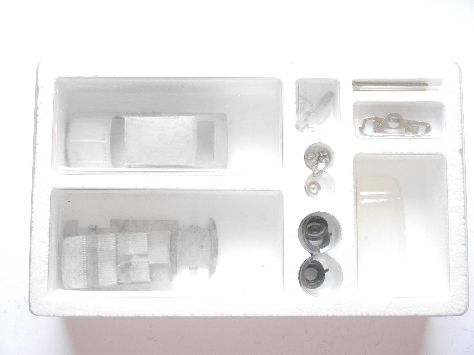 BMW  02  Touring, blancmetall-Kit WM-Kit plumies Tin Wizzard () 1 43 en Boîte